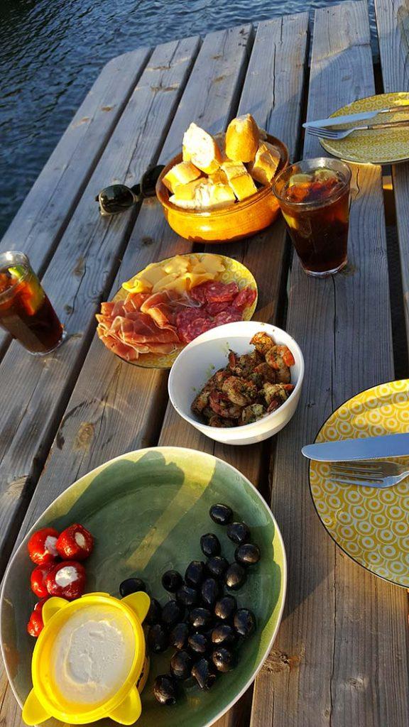 Abendessen_Hausboot_Amsterdam_Hafen_Tapas