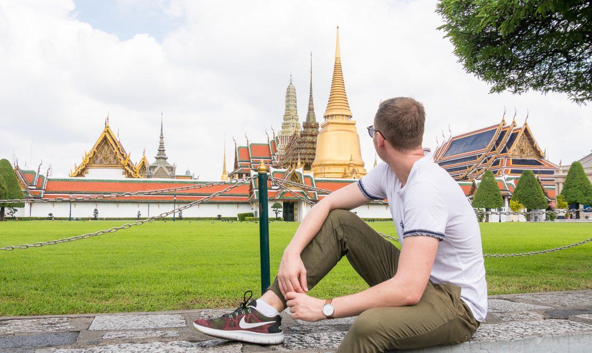 Fabian vor den Königspalast / Grand Palace in Bangkok
