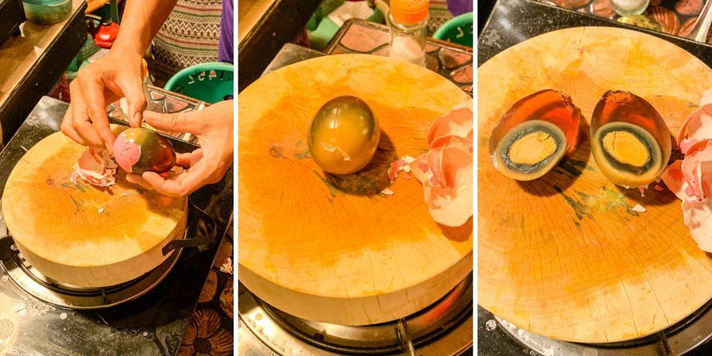 Tausendjähriges Ei beim Thai Akha Kochkurs in Chiang Mai