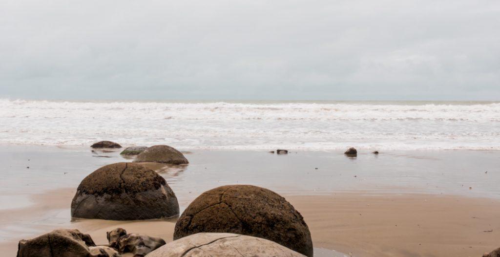 Moeraki Boulders am Strand