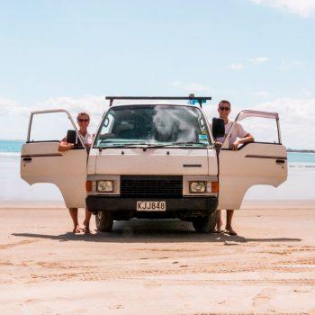 Campervan in Neuseeland am Strand