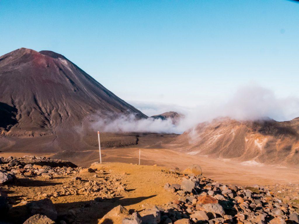 Der Vulkan Mordor beim Tongario Crossing