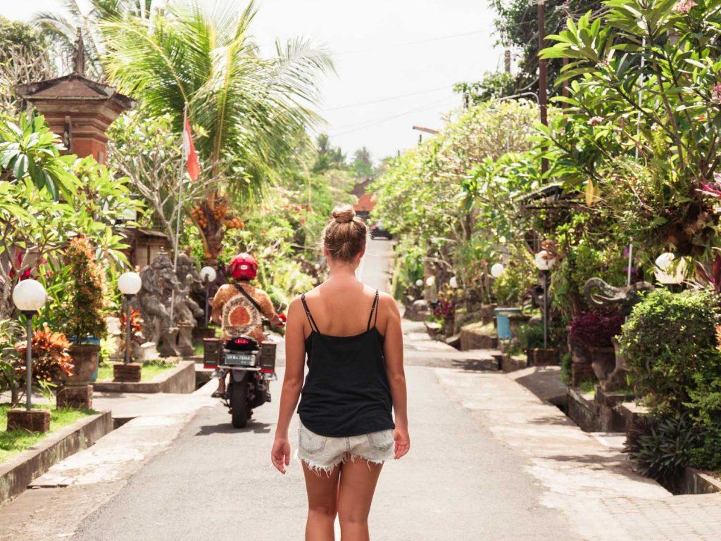 Nebenstraße der Einheimischen in Ubud